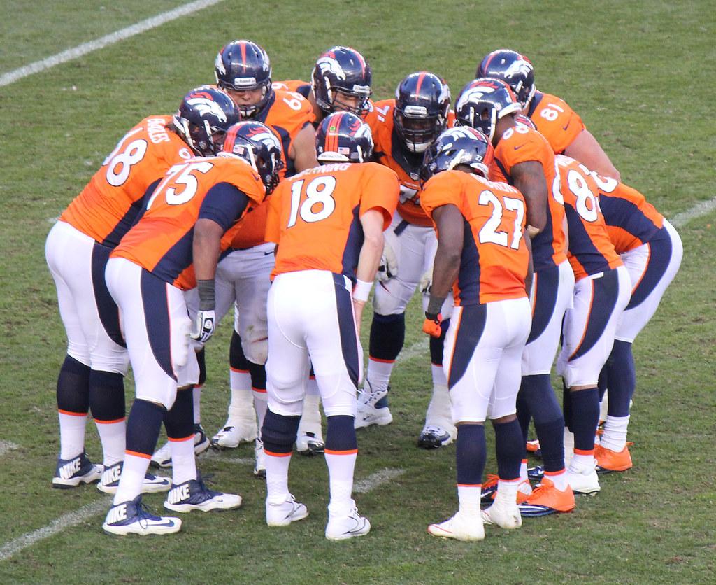 Huddle Rare Denver Broncos Jeffrey Beall