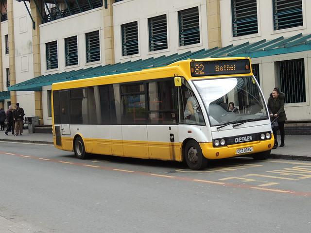 DSCN8712 Express Motors, Penygroes DEZ 8896