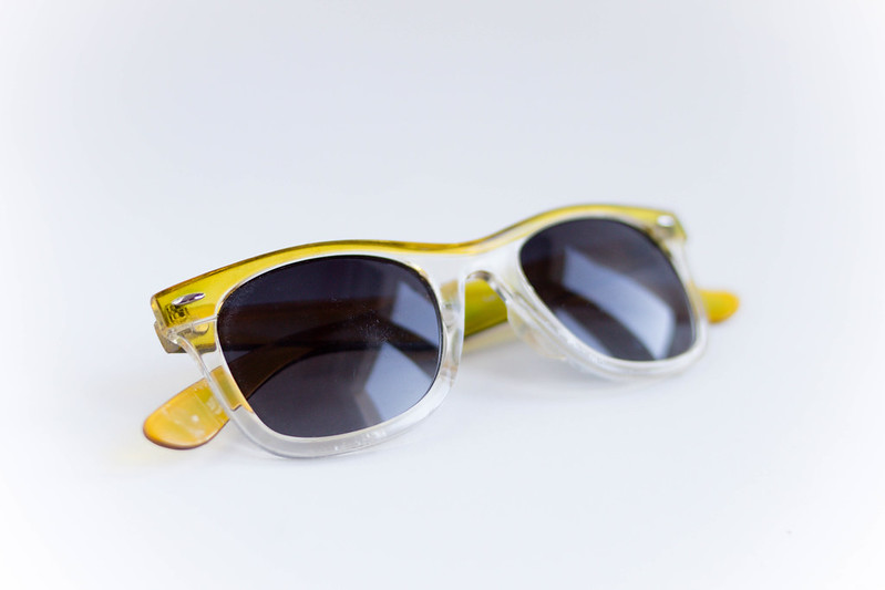 Gelb-grüne Sonnenbrille