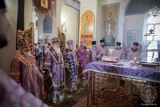 Литургия в Покровском соборе 210