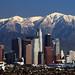 Třítisicové pohoří San Gabriel začíná na severních předměstích Los Angeles. A na pláž to máte dvacet minut., foto: http://static.comicvine.com