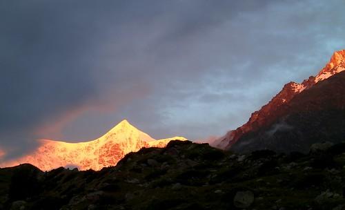 sunrise russia climbing caucasus mountaineering alpenglow bezengi безенги gestola гестола