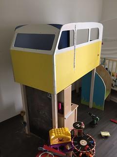 Et voila la lit van est monté il y a même un escalier   by arnaudban