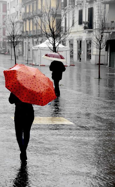 [ Sotto due ombrelli - Under two umbrellas ] DSC_0160.2.jinkoll