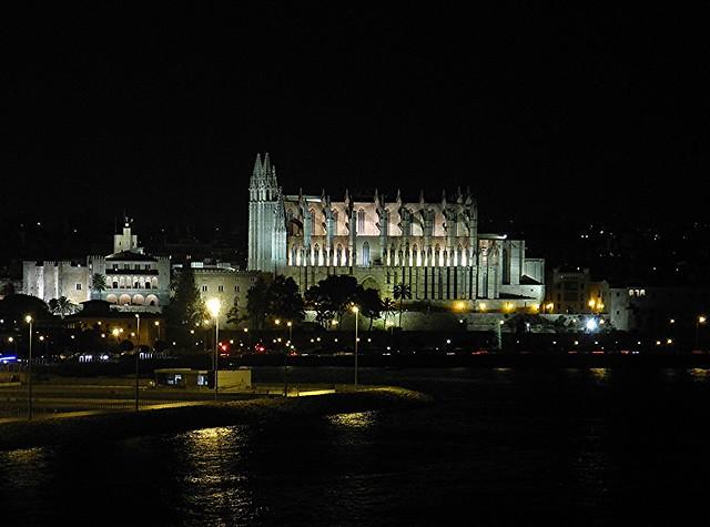 Cathedral of Santa Maria of Palma by night