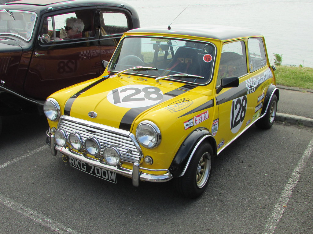 austin mini 1300 mkii rkg700m a 1974 austin mini. Black Bedroom Furniture Sets. Home Design Ideas