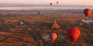 Balloons over Bagan at sunrise (Myanmar 2013) | by paularps