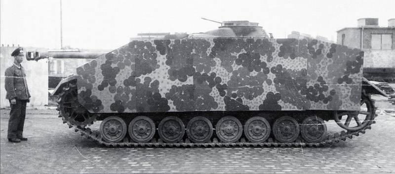 A German Sturmgeschütz IV - StuG IV (SdKfz 167)