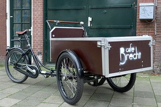 Cafe Brecht Workcycles Bakfiets 1 | by @WorkCycles