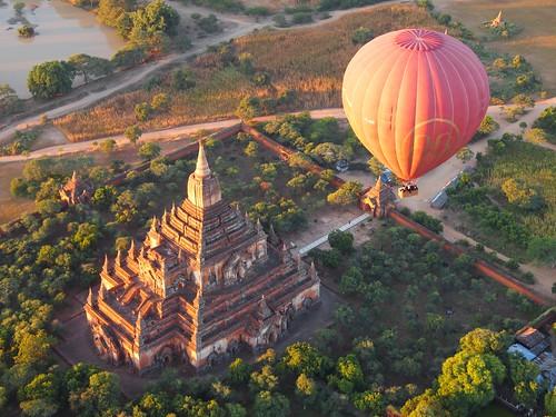 Balloons over Bagan (Myanmar 2013) | by paularps