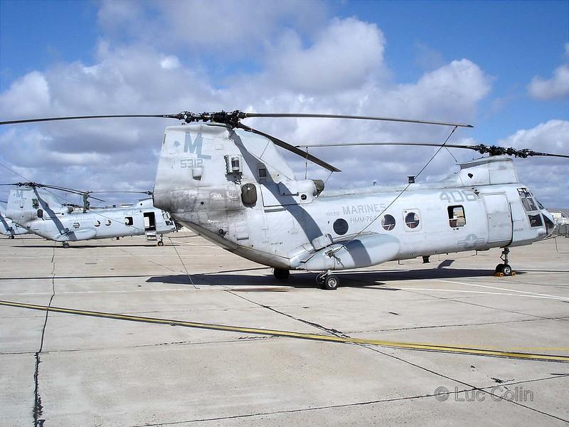 CH-46E (3)