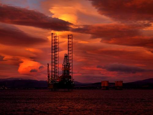 up sunrise jack scotland highlands cromarty oilrig firth gloaming