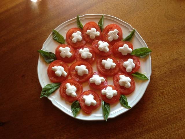 Patriotic Mozzarela Tomato salad