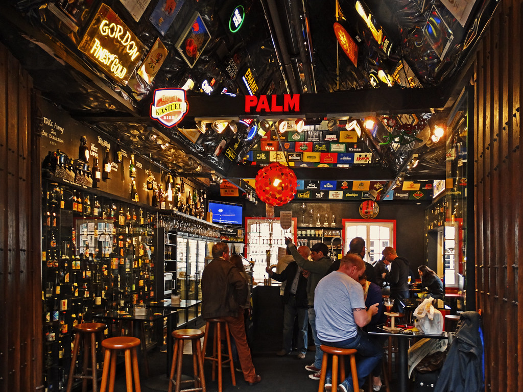 "Beer Paradise? ""2Be"" Bar - Pub (Bruges - Sony HX300) 