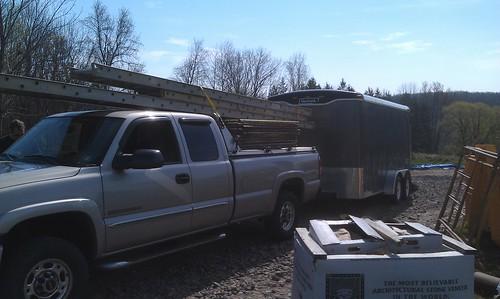 aluminum closed scaffolding l hd trailer polished diamondback diamondplate silveradosierra chevygmc gs99 cargoontop hdcabguard lightgrayorsilvertruck cargoonrack driversideheadlightview
