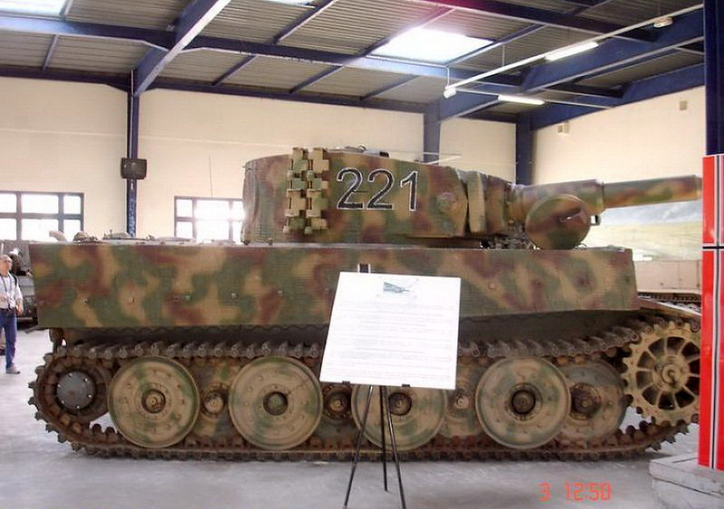 PzKpfw VIH Tiger (4)