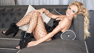 Pamela-Anderson-Couch | by ray1daily1