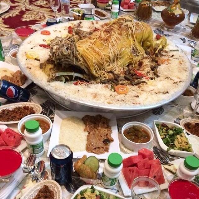 جم تعطون السحور من 10 الكويت سحور رمضان عيش لحم لبن Flickr