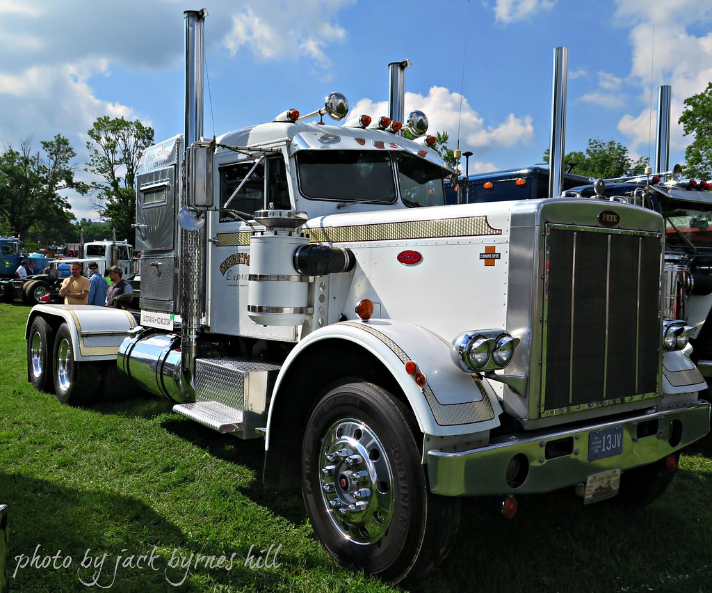1964 Little Window Peterbilt | Not really a fan of Mercury s… | Flickr