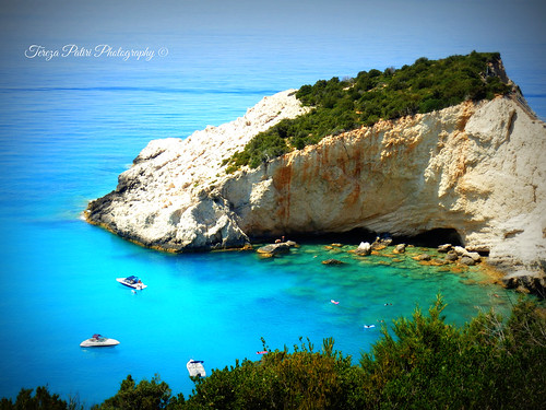 travel blue trees sea vacation sky green rock landscape boats mare earth hellas greece mediterraneansea ioniansea ionian greekisland ionianislands portokatsiki ελλάδα leykada ιόνιο λευκάδα greekcoast tirquaz