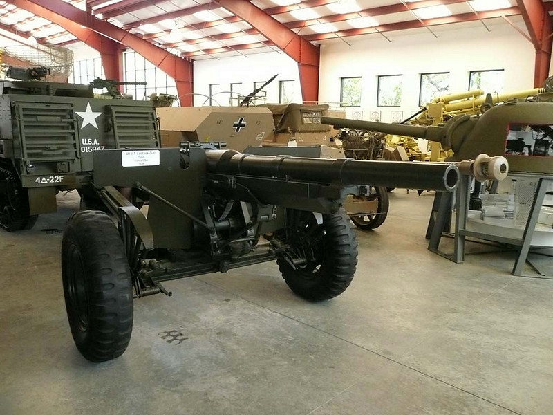75 mm M1897 US na vozičku M2A3 (2)
