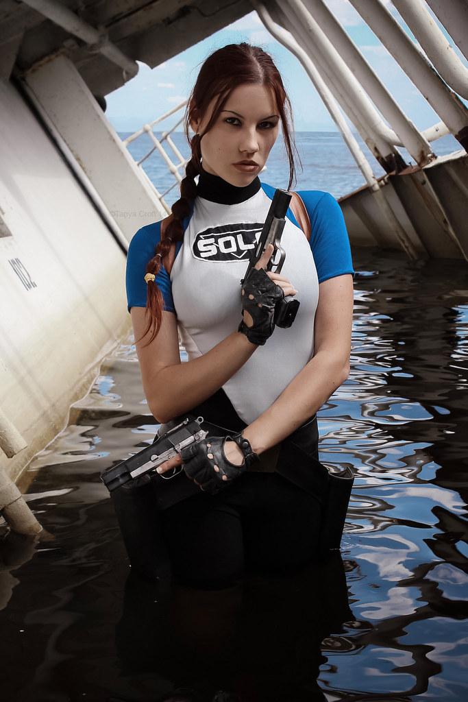 LARA CROFT Lara in Wet Suit.