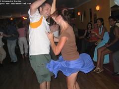 sam, 2006-07-15 18:16 - IMG_9646-Isabelle et Mohamed-tourne tourne_
