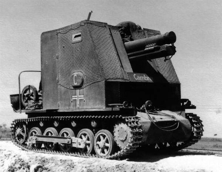Bison mit 15 cm Haubitze 15 cm sIG L-12