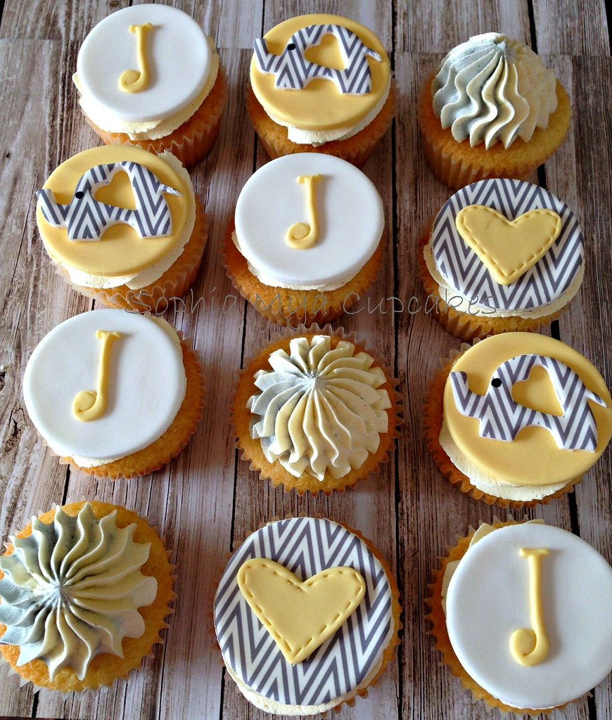 Baby Shower Cupcakes With Chevron Elephants Hearts And J Flickr