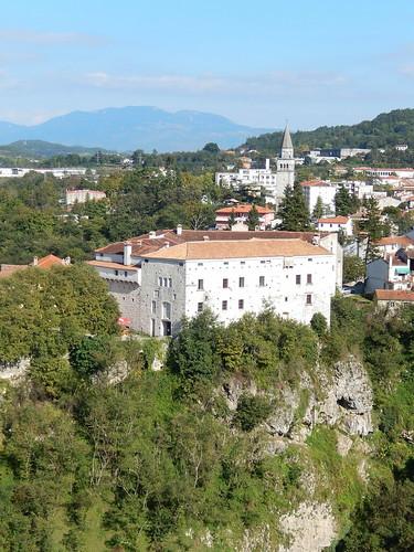 Pazin chasm- kasteel en dorp