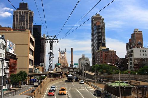 Roosevelt Island Tramway - New York   by TravelingOtter