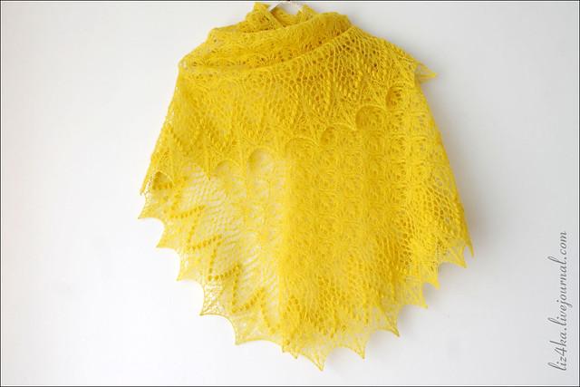 Yellow Echo Flower Shawl