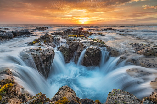 longexposure tide peleswell kona sunset lavatube hawaii bigisland rocks kailuakona unitedstates us