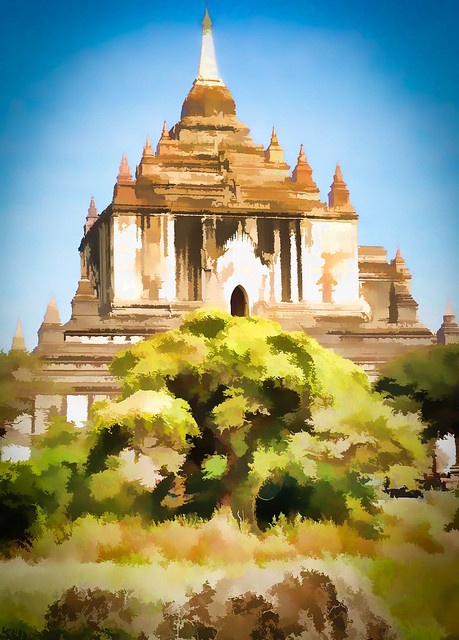 The Thatbyinnyu Temple which is near the main Ananda Temple used for most of the Full Moon Festival