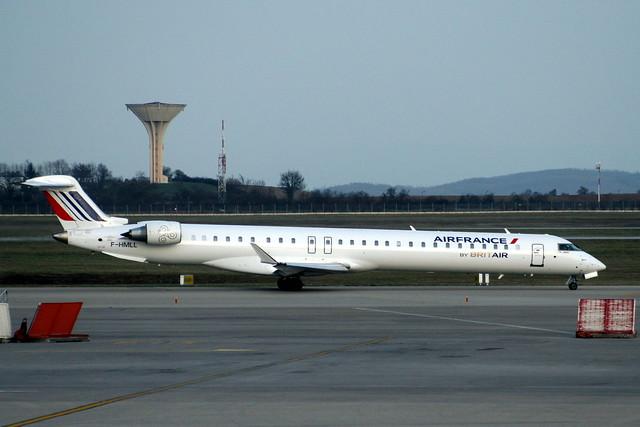 F-HMLL CRJ1000 19017 LYS 20-Mar-12