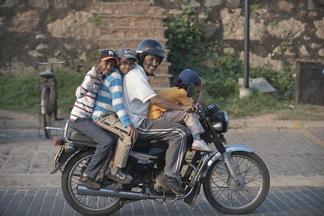 SL132 Family Riders - Galle Fort 18 - Sri Lanka