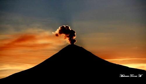 Popocatépetl al atardecer