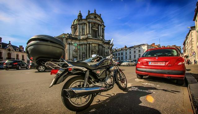 Church and my moto (Namur)
