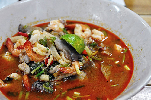 Tom yum goong (Mixed Seafood) | by jh_tan84