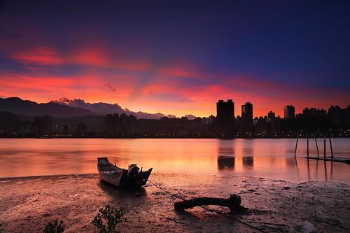 light sunset sunrise canon river boat tide 淡水河 日出 晨昏 退潮