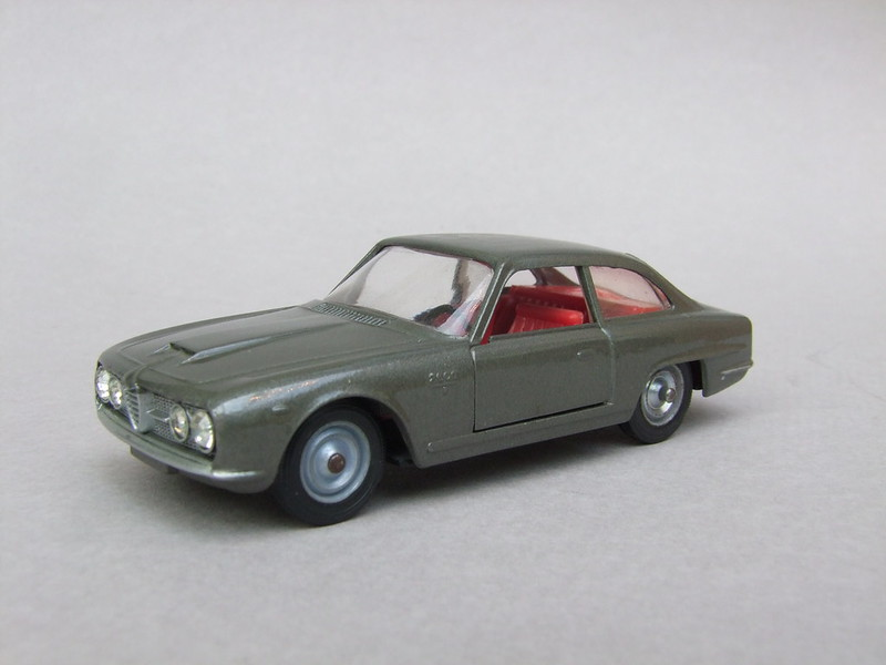 numéro 4 Alfa Romeo 2600 15093991387_3ce6c4b0e5_c