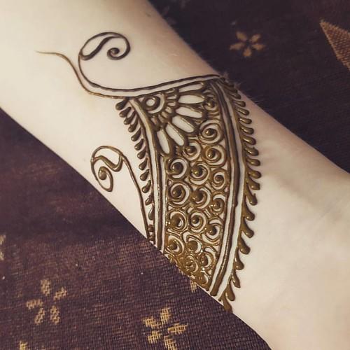 Simply more!!! #lessismore #yycarts #calgaryartist #hennaa ...