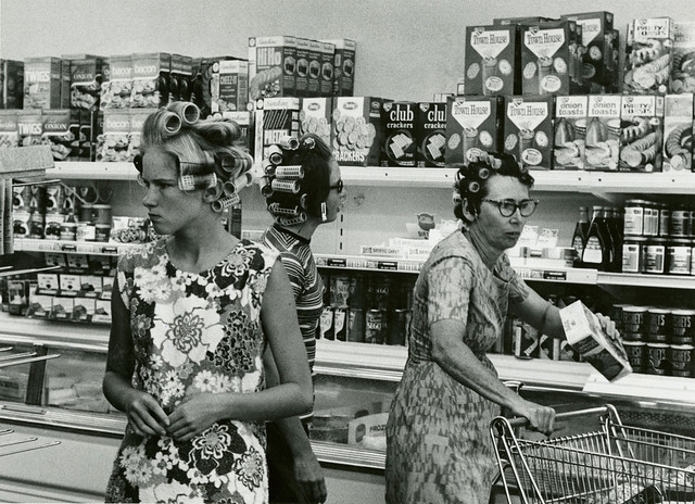 Grocery shopping in Hair Curlers (ca. 1960s)