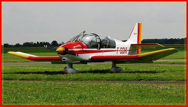 10 - Aérodrome de Coulommiers-Voisins Association Aéronautique de Coulommiers et Meaux Club de vol à voile Remorqueur