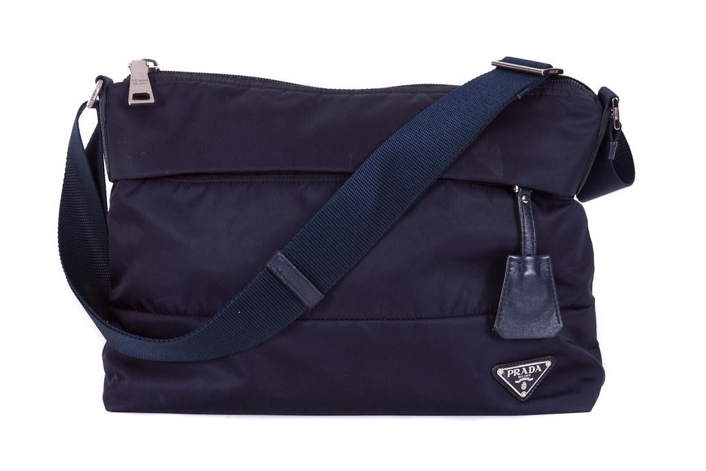 316acd6823f7 ... Dust Prada Tessuto Sacca Handbag Mora Purple BT0740 13