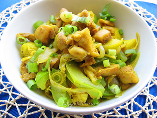 Cha K'Ney Sach Moun - Ginger Chicken w/ Yellow Squash and Bell Peppers | by RefugeeKitchen.com
