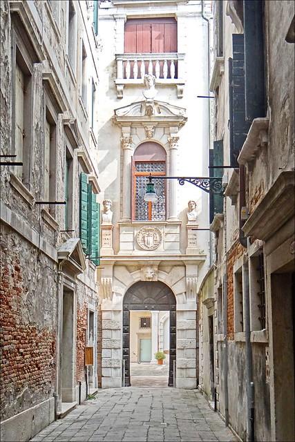 L'entrée du Palazzo Grimani (Venise)
