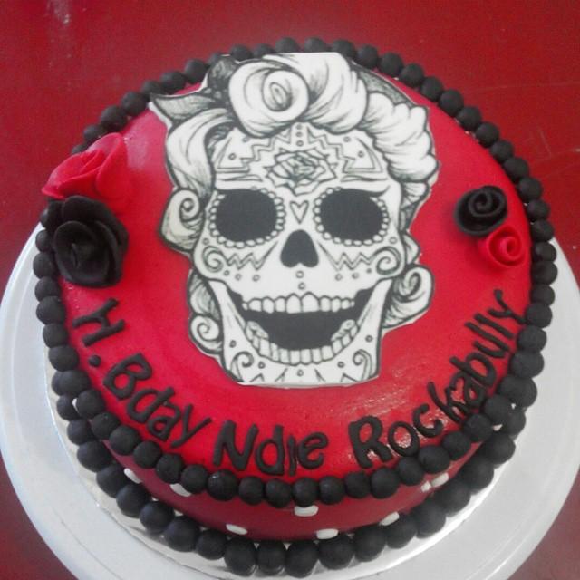 Prime Rose Skull Birthday Cake Cake Birthdaycake Kue Ula Flickr Funny Birthday Cards Online Eattedamsfinfo