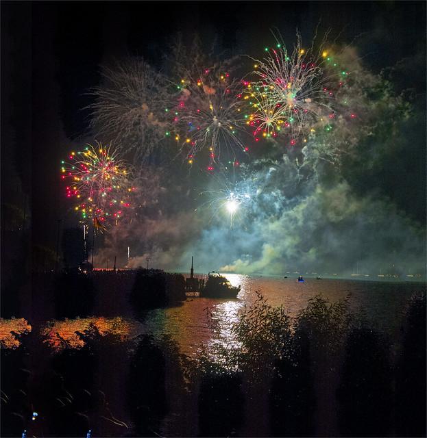 Feux d'artifices Neuchâtel  .August 1, 2014.No.8663.