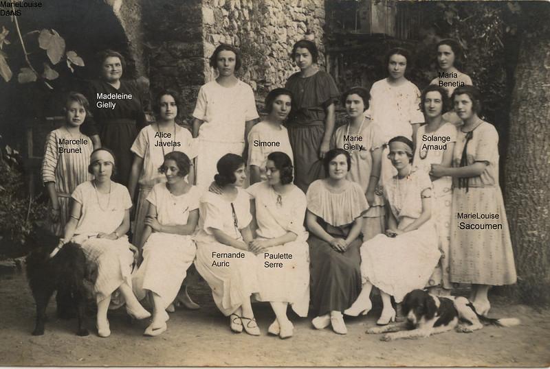 Jeunes filles aux Pilles 13 juillet 1923 Noms?